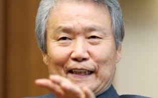 さかきばら・さだゆき 1967年名大院修了、東洋レーヨン(現東レ)入社。02年社長、10年会長。14年6月から経団連会長を務める。72歳。昨年12月と今年5月に2度訪韓し、朴槿恵(パク・クネ)大統領とも会談した