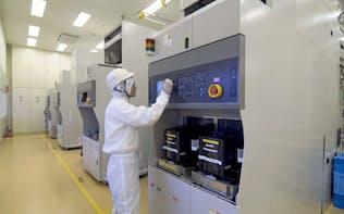 半導体の3次元化で製造装置受注が拡大すると期待される(富山市の富山工場)