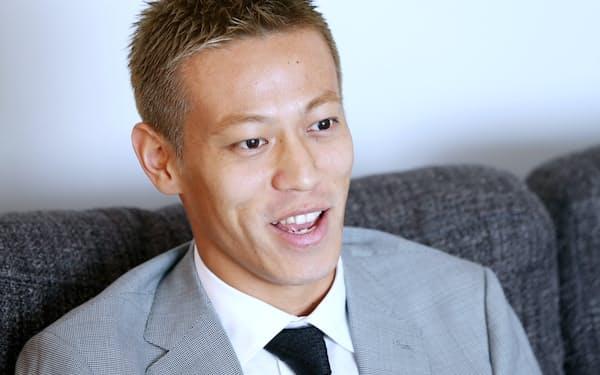 選手の能力向上やクラブ経営にIT活用をめざす本田選手