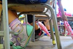 神戸の小中学校の9割以上が教室に土足で入る(神戸市灘区の美野丘小学校)