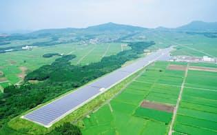 オリックスは3年後に国内最大級の太陽光発電能力を目指す(鹿児島県の枕崎空港跡地のメガソーラー)