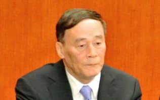 党中央規律検査委員会のトップを務める王岐山。習とは45年以上前からの付き合いだ