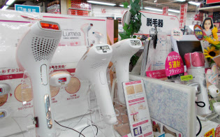 家電量販店では美容脱毛器の特設コーナーを設ける