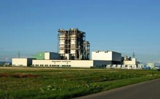 サニックスエナジーの廃プラスチック発電所は市街地から遠く離れた場所にある(苫小牧市)