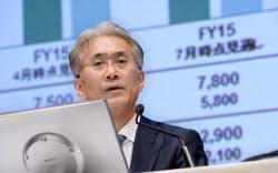 決算発表するソニーの吉田副社長兼CFO(30日午後、東京都港区)