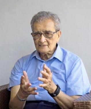 Amartya Sen 所得の再分配などを分析する厚生経済学への貢献で1998年にアジア人で初のノーベル経済学賞を受賞した。著書は「自由と経済開発」「正義のアイデア」など多数。インド出身。哲学者でもある。81歳。