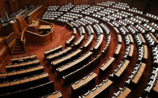 衆院選で憲法改正を否定しない勢力が増えた(衆院本会議場)