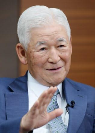 ふくい・としひこ 2003~08年に日銀総裁を務め、金融面から小泉改革を支えた。08年からキヤノングローバル戦略研究所理事長として、内外の課題に積極的に提言している。79歳