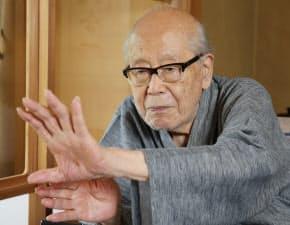 金子兜太(かねこ・とうた)氏 埼玉県生まれ。東京帝大卒。戦後は日銀に勤務しながら社会性を重視した前衛的な作品を相次いで発表。現代俳句協会名誉会長。95歳。
