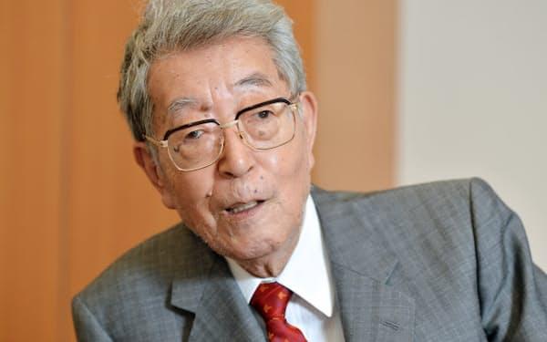 渡部氏は小沢氏とは1969年の初当選同期だ