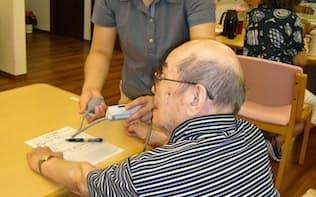 日本の大学を卒業後、セコム医療システムに就職した中国出身の張さん(神奈川県鎌倉市のセコム在宅総合ケアセンター鎌倉)