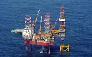 2015年9月14日、外務省が公表した東シナ海の構造物の写真