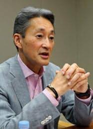 ソニーの平井社長はエレキの完全復活に向け、強い商品群の強化に努める考えを強調した。(7日、東京・港)