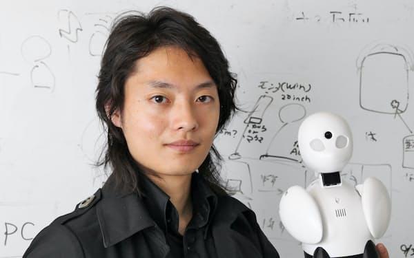 「ロボットが何でもやる世界は豊かじゃない」。吉藤氏は人工知能は人と人をつなぐことができないと指摘する