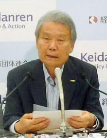 経団連の榊原定征会長は9月の会見でも見直しを示唆していた