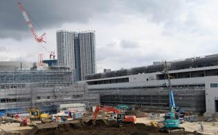 豊洲新市場など都心部では大規模再開発が相次ぐ(東京都江東区)