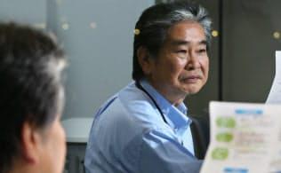 会社が倒産し生活保護受給者になった沖山仁宏さんは再チャレンジして、現在は正社員として働く(川崎市)