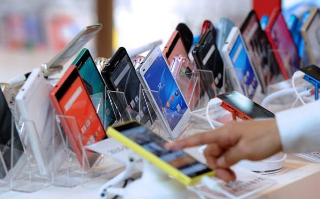 「携帯端末代半額」注意喚起へ 消費者庁、誤解の恐れ