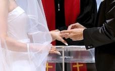25歳までに結婚したい人、なぜ急増?