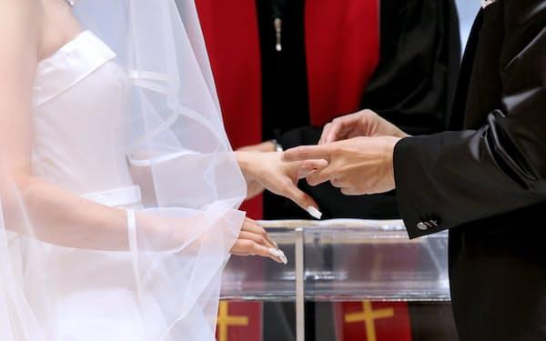 平成が終わろうとしている今、結婚観に変化がうかぶ