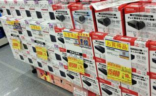 競争が激しく店頭でも値下がりが進む(東京都内の家電量販店)