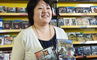 ゲームのキャラクターデザインなどを手がけるカプコンの塚越宏子さん