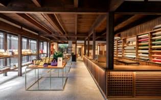 中川政七商店が展開するブランドの一つ、「遊 中川」の本店(奈良市)