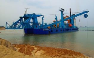 シンガポールで引き続き大型受注を狙う(五洋建設のしゅんせつ船、シンガポール・チュアス)