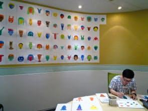「ART IN THE OFFICE 2011」に選ばれた渡邊トシフミ氏の制作風景