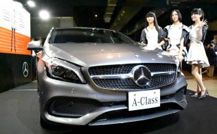 15年11月発売の小型車「Aクラス」の広告に人気歌手グループ「パフューム」を起用、若者や女性をとらえた