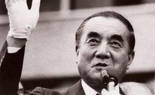 1986年7月の衆参同日選挙で、第一声をあげる中曽根首相