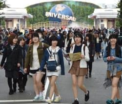 年間最高入場者数を更新したユニバーサル・スタジオ・ジャパン(7日、大阪市此花区)