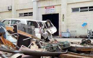 津波で押し寄せたがれきが復旧を困難にした(2011年5月)