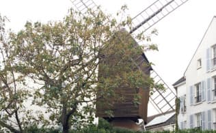 「ムーラン・ド・ラ・ギャレット」が立っていた場所には同名のレストランが現存している。往時をしのばせる風車がトレードマーク。撮影した昨年9月は改装の真っ最中だったが、現在は営業している