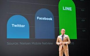 広告事業の新戦略を発表するLINEの田端信太郎上級執行役員(24日午後、千葉県浦安市)