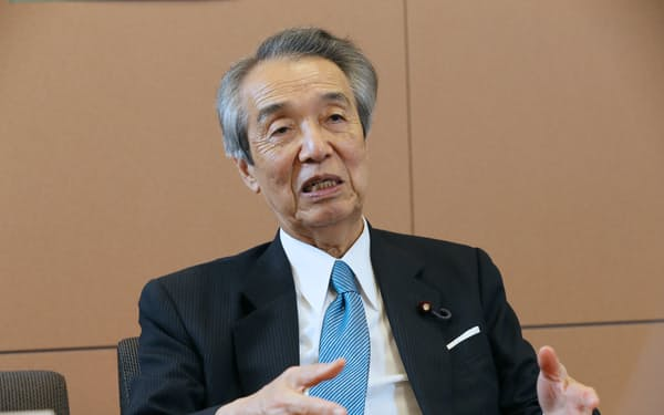 伊吹氏は「財政再建をしないと長期的に日本は信認を失う」と語った