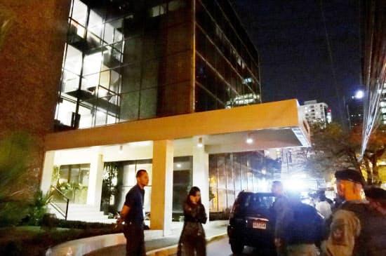 「パナマ文書」の資料流出元とされるパナマの法律事務所「モサック・フォンセカ」に対し、司法当局が家宅捜索を行った(4月12日夜、パナマ市)