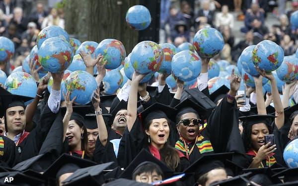 大学を卒業しても必ずしも超一流の仕事に就けるわけではない=AP