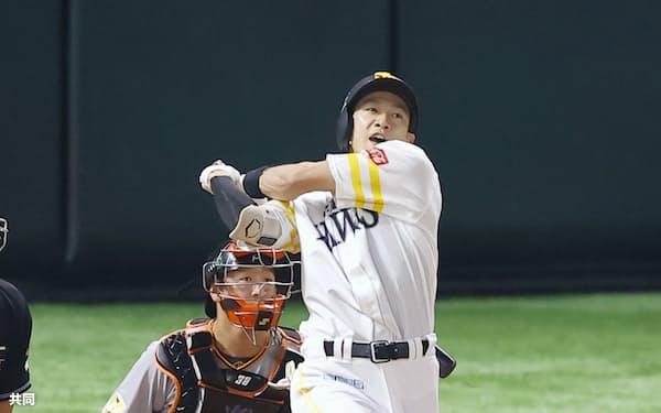 ソフトバンクの柳田は打撃3部門のタイトルこそ逃したが、データから球界最強打者の1人であるといっていい=共同
