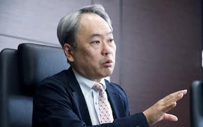 インタビューはオンライン会議システムを使って実施した。経営共創基盤の冨山和彦会長