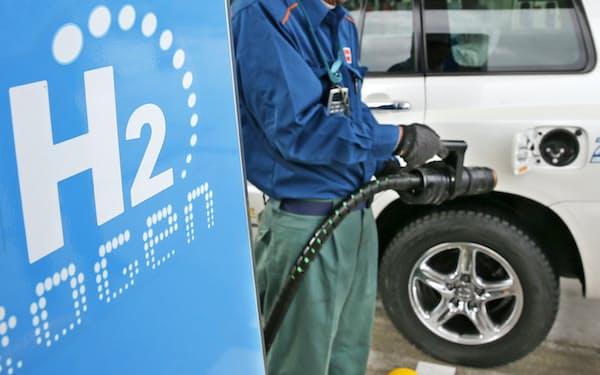 自動車もガソリン使用をやめ、水素で動く燃料電池車で代替する(水素ステーション)