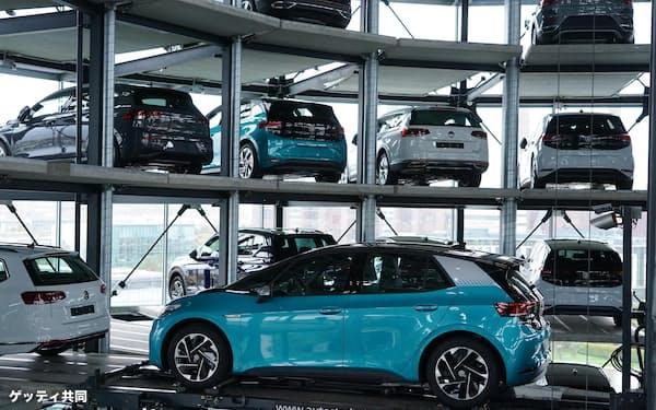 ドイツ・フォルクスワーゲンの電気自動車=ゲッティ共同
