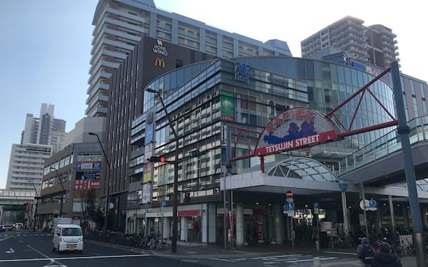 報告書では商業エリアのにぎわいに課題が残ると指摘した(23日、神戸市の新長田地区)