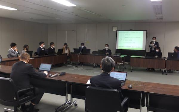 デジタル化促進には、職員の意識改革が重要だと指摘した(23日、相模原市役所)