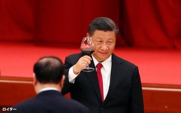 建国71周年の記念パーティーに出席した習主席(2020年9月、北京)=ロイター