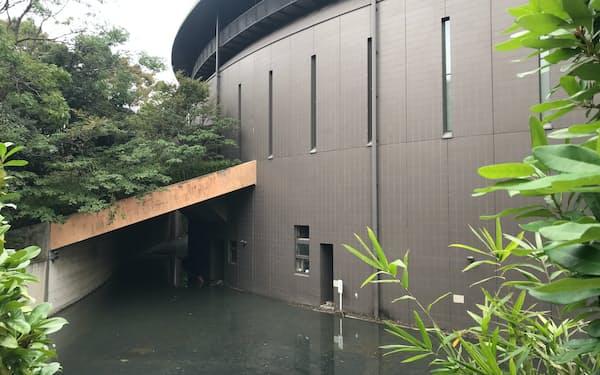 川崎市市民ミュージアムの地下収蔵庫には水が流れ込んだ(2019年10月撮影)