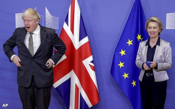 英国とEUの交渉は何度も決裂が危ぶまれながら合意にこぎ着けた(9日、ブリュッセル)=AP