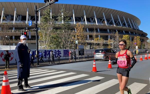 元旦競歩に出場した岡田久美子は女子10キロを大会新記録で制した