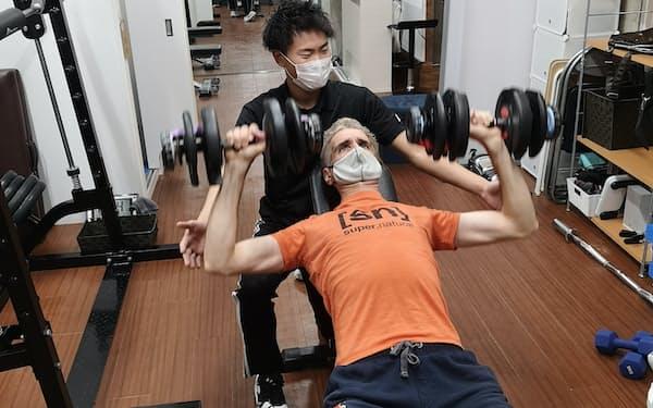 筋肉増強にはウエートトレーニングが効果的(東京都内のジム「ASPI」)