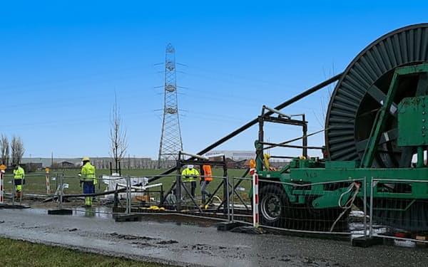 住友電工は再生可能エネルギー発電向けの長距離送電線に力を入れる